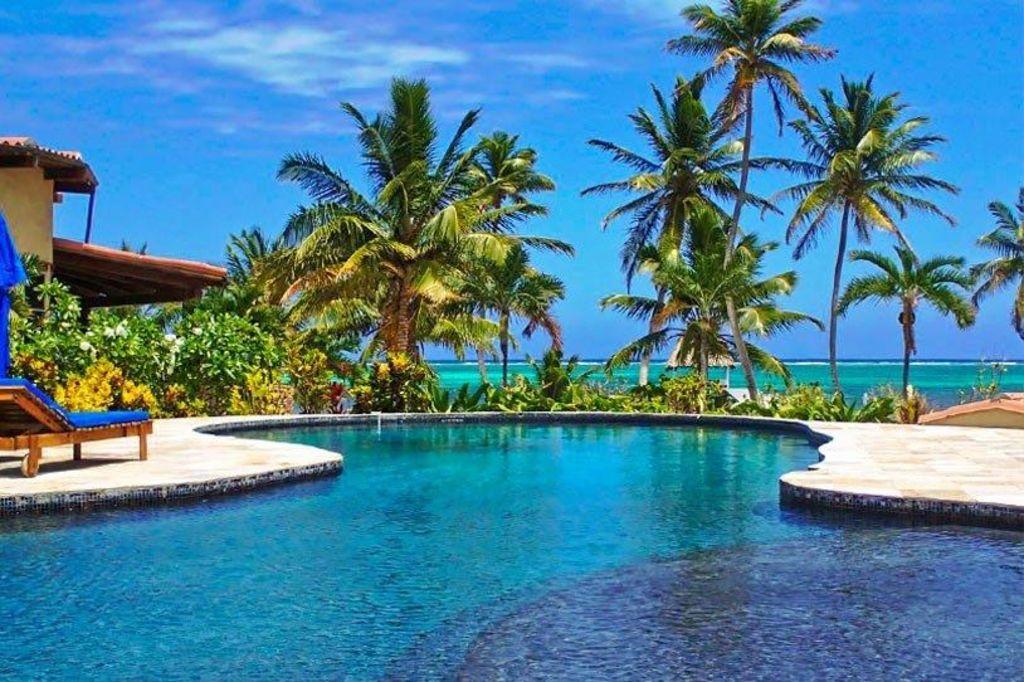Villa Descanso Belize Pool Area